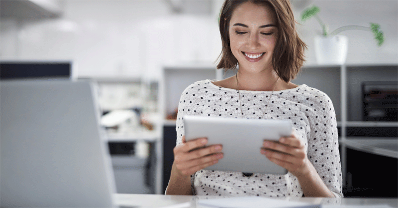 Bild Frau mit Tablet - SAP Jam