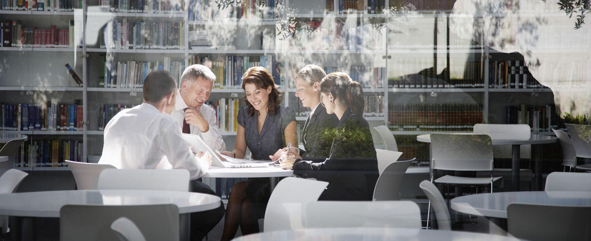 Image-Picture-People-Office-Meeting-Books-2016-SAP-GLOBAL-EN