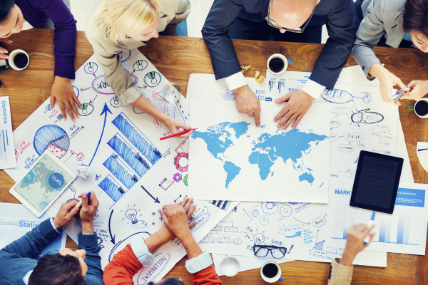 Optimize your social collaboration between people in projects, groups and teams with the assistance of Internet, electronic media, and SAP Jam.