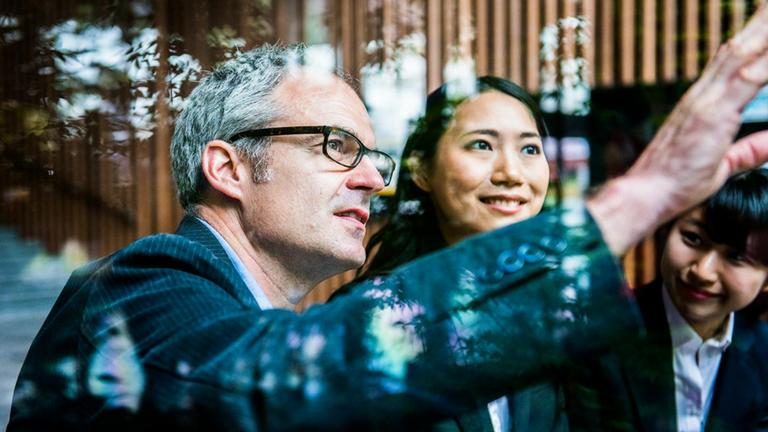 NTT DATA Business Solutions lliefert Ihnen nicht nur SAP Lösungen sondern auch Industrie-Speziallösungen