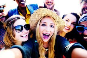 Image-Picture-Selfie-People-20151217-GLO-EN
