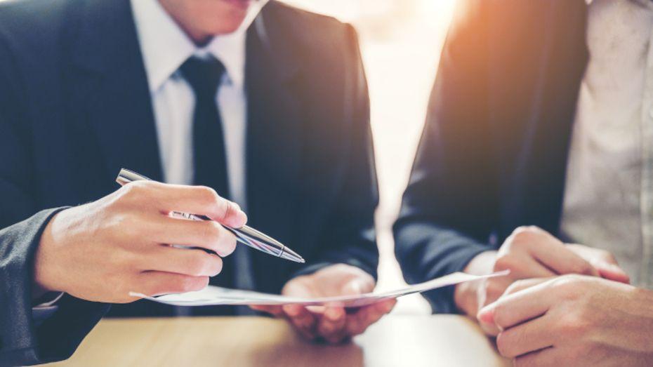 A vállalat CIO-ja megbízható tanácsokat nyújt és hidat épít a felhasználók igényei valamint technológiáik között.