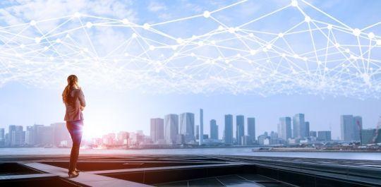 itelligence liefert Ihnen eine Definition für die Hybrid Cloud und erklärt, welche Vorteile sie als Brückenlösung zur Cloud hat