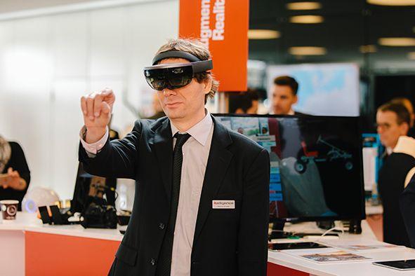 Foto Mixed-Reality-Szenarios mit der Microsoft HoloLens