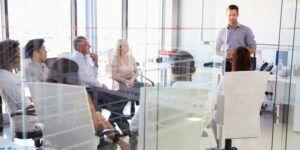 Plattformübergreifendes CRM für Marketing Vertrieb und Service