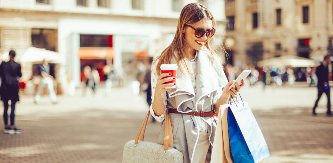 woman-shopping-cx