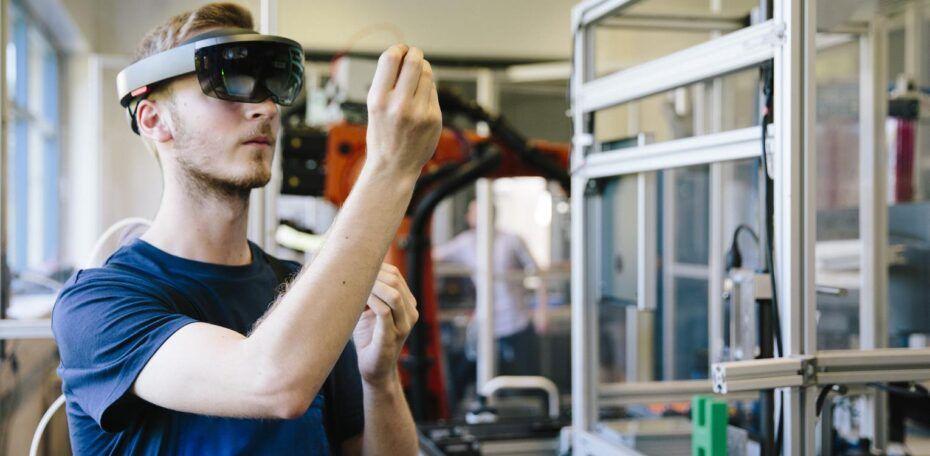 IoT und Augmented-Reality-Brillen steigern die Effizienz von Arbeitnehmern.